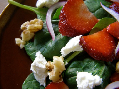 strawberry-salad-complete-no-dressing